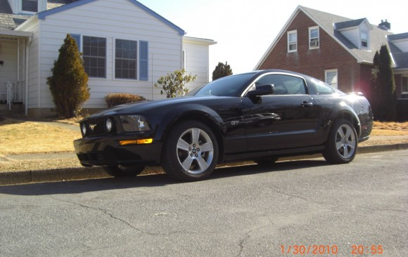 Ford Mustang fastback GT 2005 ( France dpt 19)