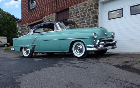 Oldmsobile Holiday 88 coupe 1953 ( France dpt 45)