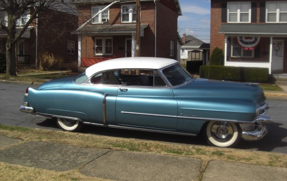 Cadillac serie 62 coupe 1953 ( France dpt 78)