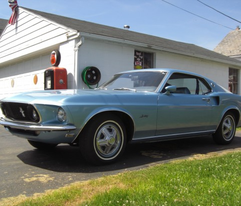 Ford Mustang Fastback 1969 ( France dpt 38)