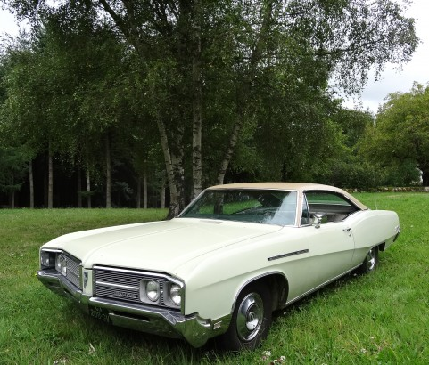 Buick le Sabre custom coupe 1968 ( France dpt 68)