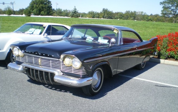 Plymouth Belvedere hardtop coupe 1957 ( France dpt 13)