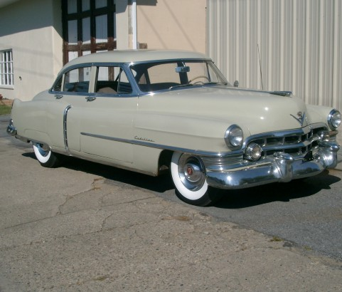Cadillac serie 62 sedan 1950 ( France dpt 44)