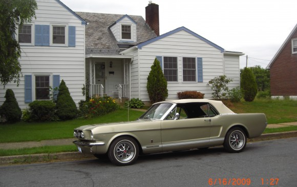 Ford Mustang GT Convertible  ( France dpt 78)