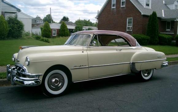 Pontiac catalina hardtop coupe 1950  ( France dpt 42)