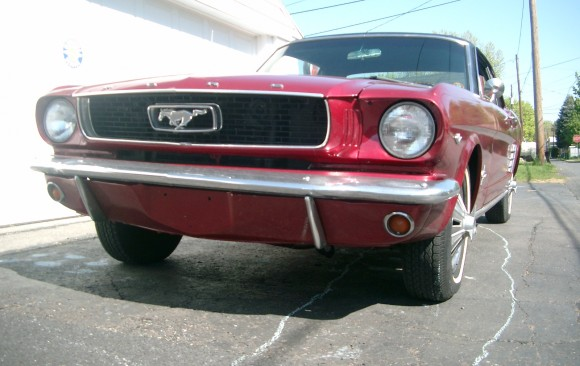 Ford Mustang coupe 1966 ( France dpt 07)