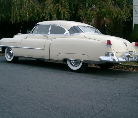Cadillac coupe de ville 1951 ( France dpt 63)
