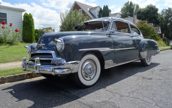 Chevrolet Fleetline de luxe fastback 1951 ( France dpt 67)