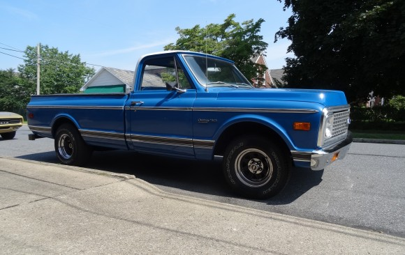 Chevrolet C10 de luxe pick-up 1971 ( France dpt 29)