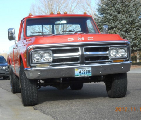 GMC Sierra pick-up 4x4 1971 ( France dpt 38)
