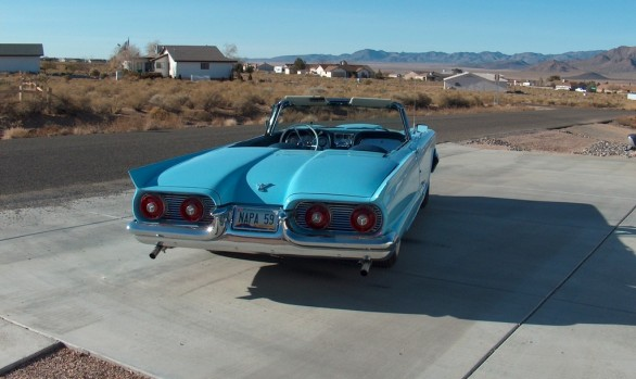 Ford Thunderbird convertible 1959 ( France dpt 44)