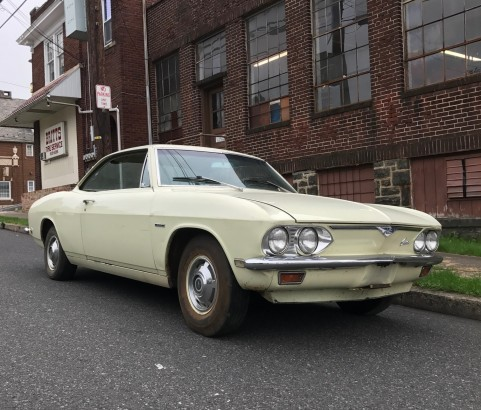 Chevrolet Corvair coupe 1968 ( France dpt 59)