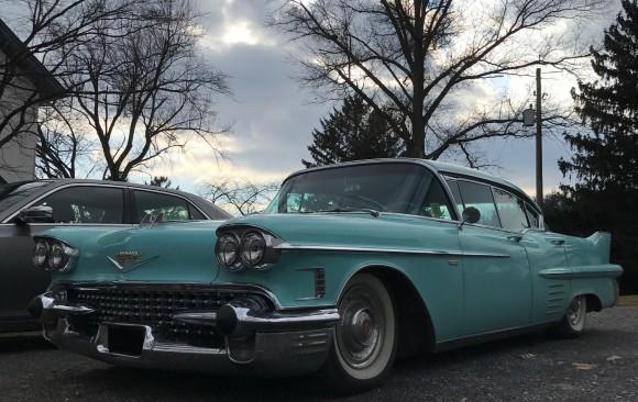 Cadillac serie 62 4 door hardtop 1958 ( France dpt 77)