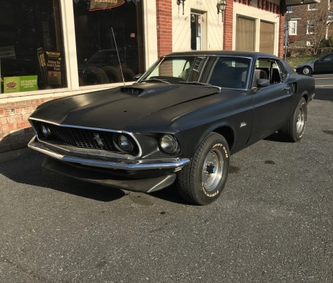 Ford Mustang fastback 1969 ( France dpt 42)