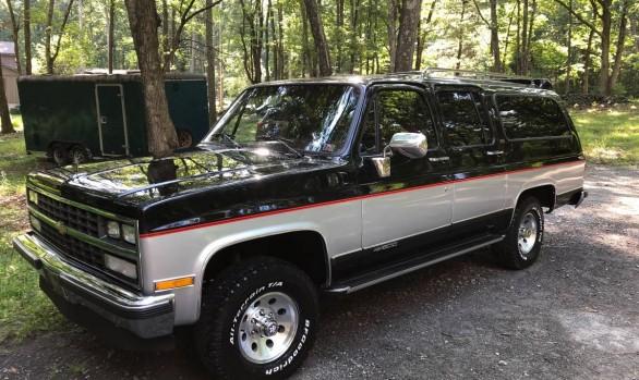 Chevrolet Suburban 1989 ( France dpt 61)