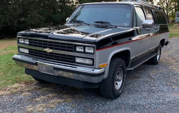Chevrolet Silverado Suburban 1989 ( France dpt 61)