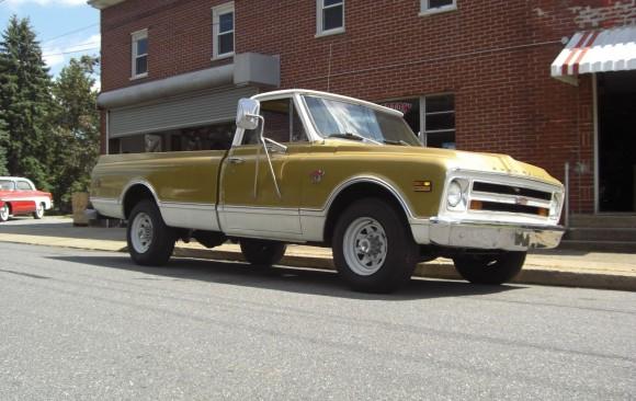 Chevrolet C20 Custom pick-up 1968 ( France dpt 42)
