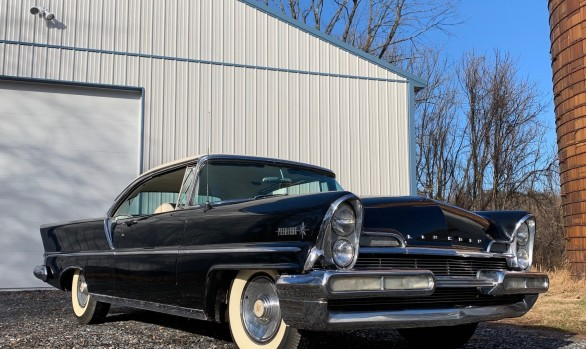 Lincoln Premiere hardtop coupe 1957 ( Elkton ,Maryland)