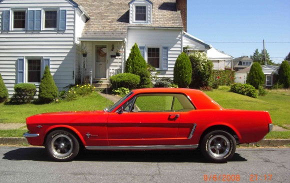 Ford Mustang coupe 1965 ( France dpt 74)