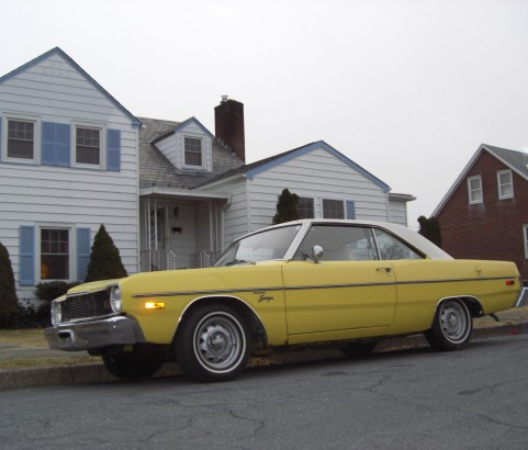 Dodge Dart coupe 1976 ( France dpt 74)