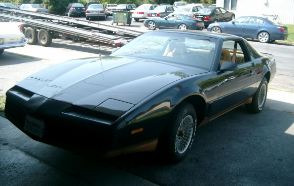 Pontiac Trans am 1982 ( France dpt 69)