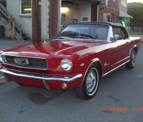 Ford Mustang convertible 1966 ( France dpt 35)