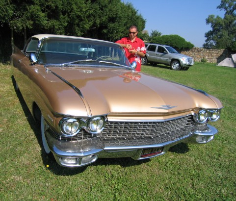 Cadillac coupe serie 62 1960         ( France dpt 21)