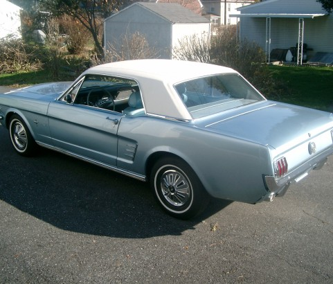 Ford Mustang coupe 1966 ( France dpt 54)