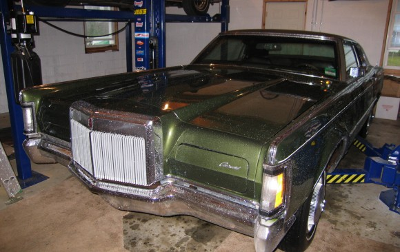 Lincoln Continental MK3 1970 ( France dpt 42)