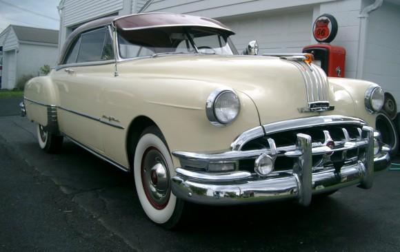 Pontiac catalina hardtop coupe 1950 ( France dpt 35)