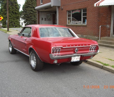 Ford Mustang coupe 1967 ( France dpt 34)