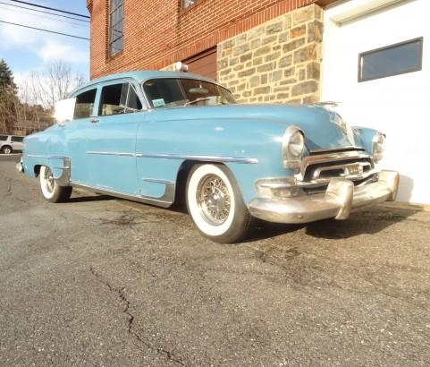 1954 Chrysler New Yorker de luxe  sedan 1954 ( France dpt 81)
