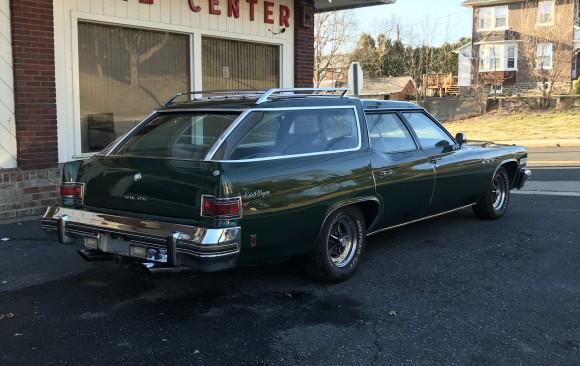 Buick estate wagon 1975 ( San Jose, California)