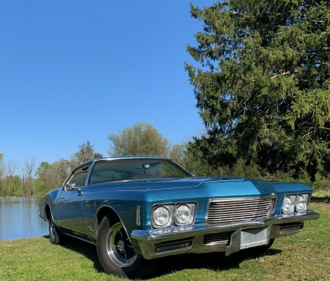 Buick riviera 1971 ( West Bloomfield MI)