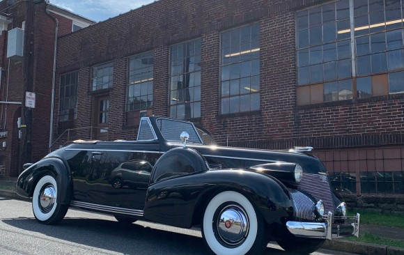 Cadillac serie 61 convertible 1939 ( France dpt 60)